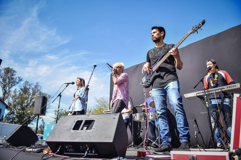 Cientos de adolescentes participaron de los festivales por el Día del Estudiante organizados por la Municipalidad de Escobar
