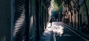 women walking down street- discover barcelona