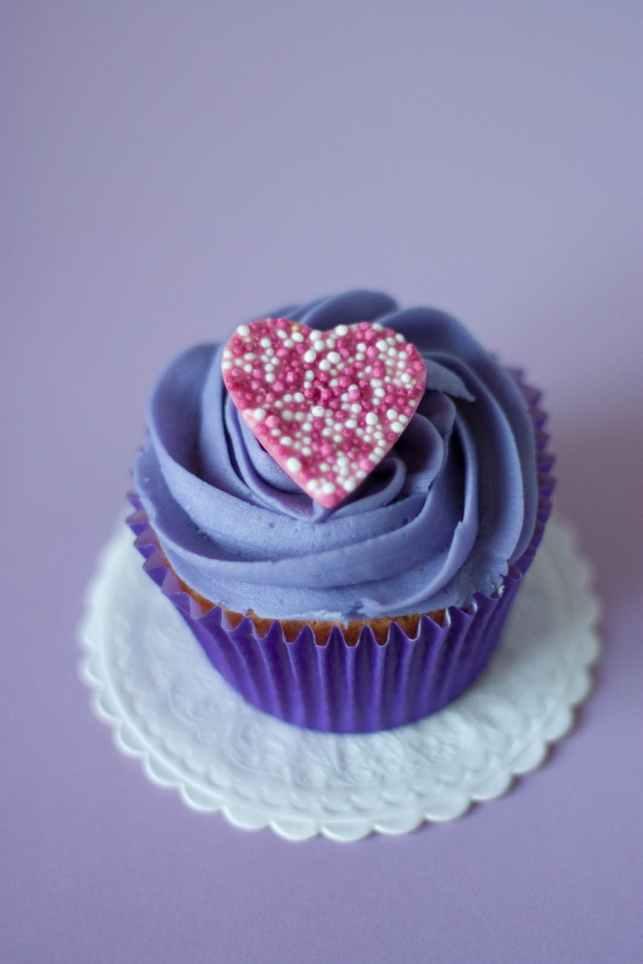 heart dessert sweet cupcake