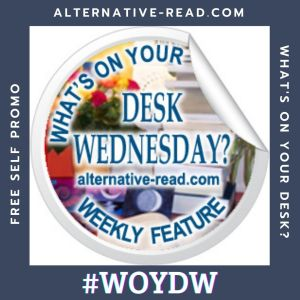 WOYDW - Whats on your desk Wednesday - Instagram Post