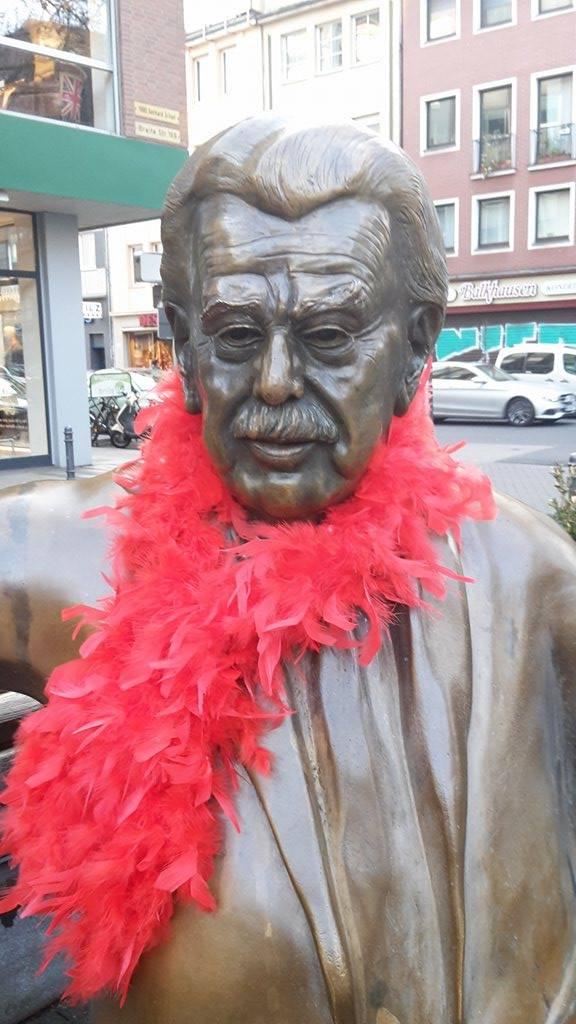 Willy feiert Karneval