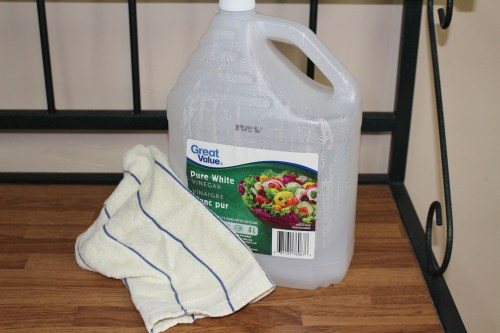 cleaning, housework, cleaning with vinegar, vinegar, home hacks