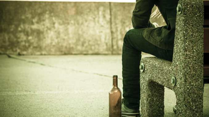 Is alcohol use related to dementia?