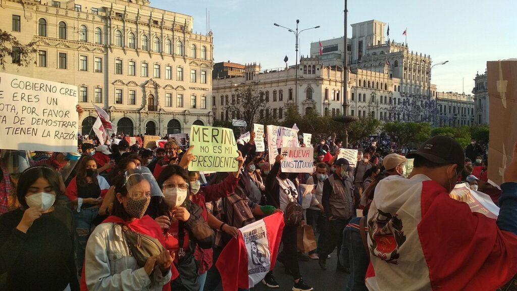 Pérou: Le président issu d'un coup d'État illégitime renversé par les masses