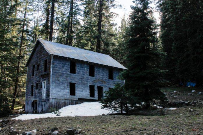 cornucopia-slanty-house