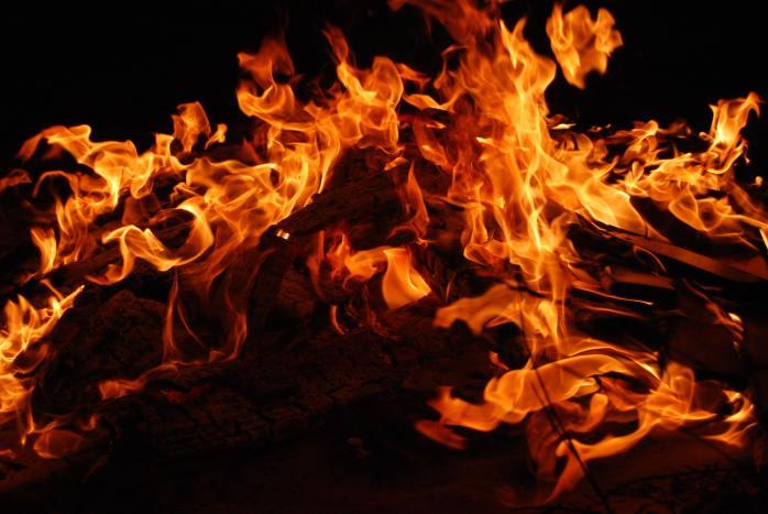bonfire-burning-campfire-270815
