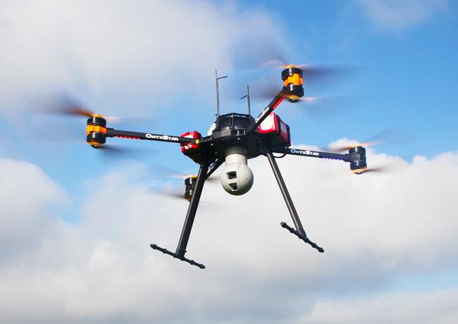 La surveillance par drone grâce à deux caméras: HD et thermique avec zoom