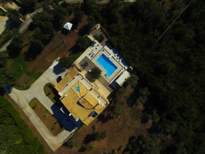 altigator-drone-uav-real-estate-market-buildings-villa-aerial-view-surroundings