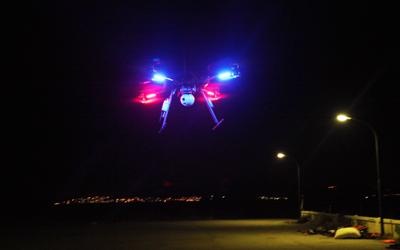 Décollage de notre drone à vision nocturne pour patrouiller sur la plage à la recherche de bateaux de migrants