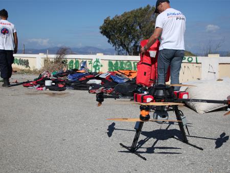 en soutien aux equipes de secours sur le terrain avec le drone sar - Un drone pour secourir les migrants