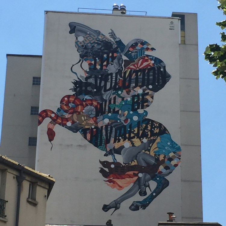 "fresque monumental de Tristan Eaton à Paris. Appelé ""The Revolution"""