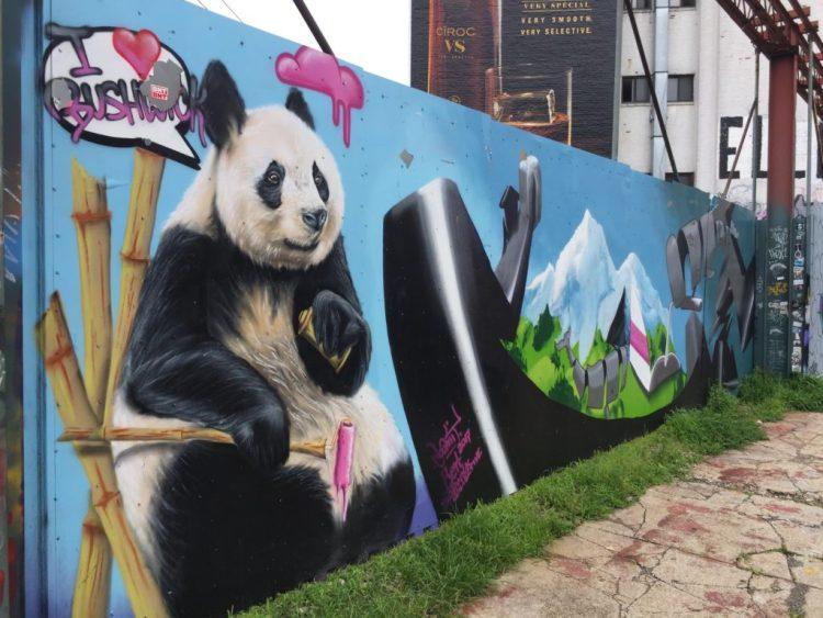 Fresque murale par Loomit