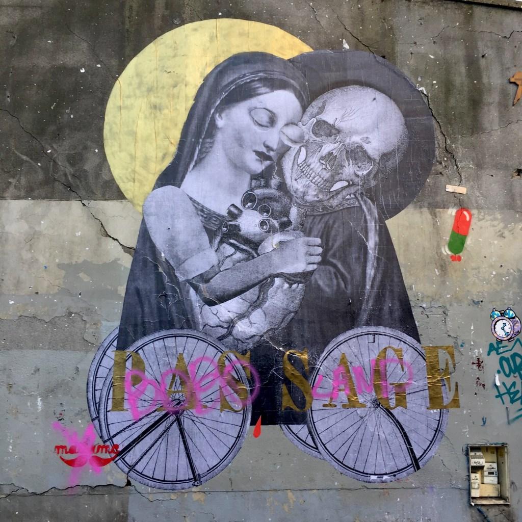 oeuvre Street Art de Madame Moustache à Paris