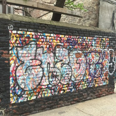 Love Wall par J Gold Crown - Freeman Alley - Street Art New York