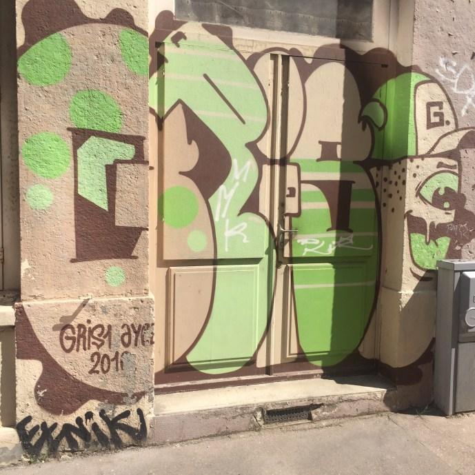 Graffiti par Gris1 - Blaze - la croix-rousse Lyon Street Art France