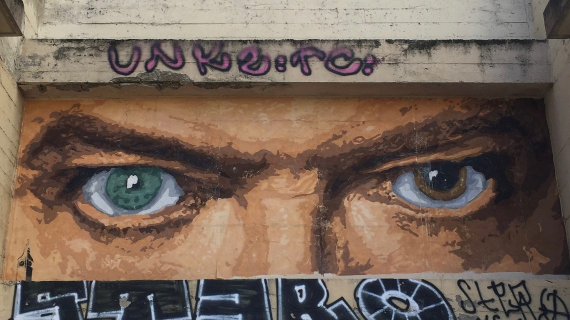 Strolling between Graffiti and Street Art in Lyon on the slopes of Croix-Rousse district!