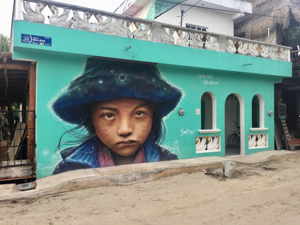 Visage d'enfant sur l'ile d'Holbox réalisé par l'artiste Jace Jano