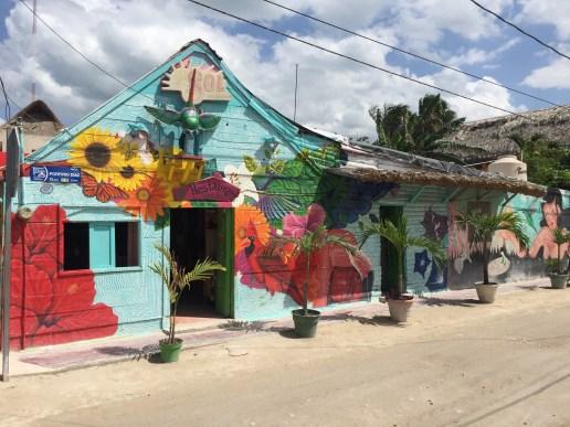 Muralisme restaurant Colibri - Street Art Holbox
