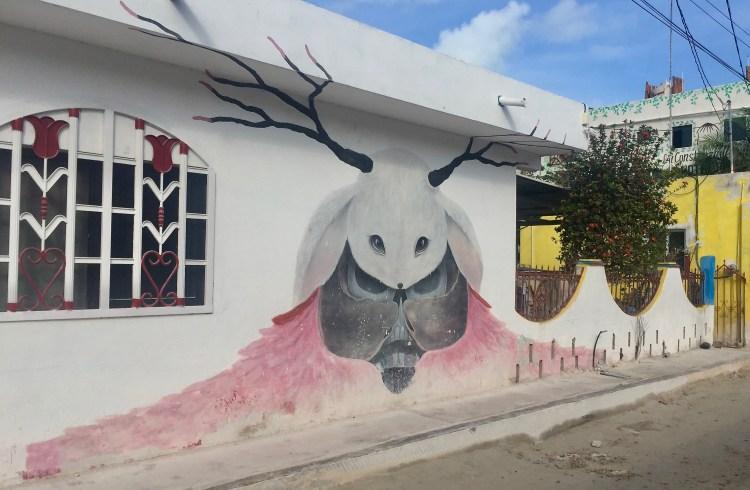 fairytale - animal - street art Holbox - Ruben Carrasco