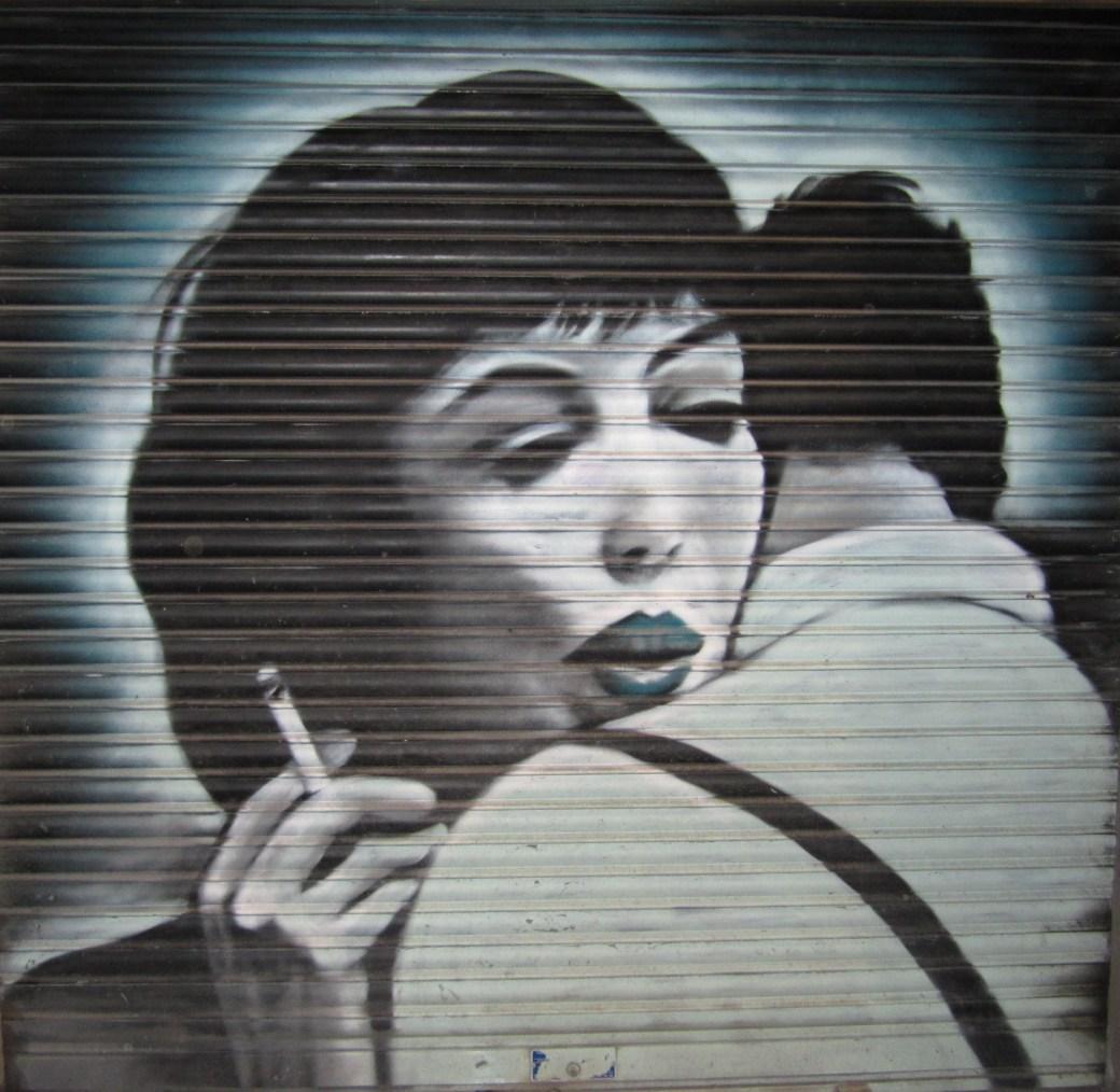 reproduction de l'affiche du film Vivre sa Vie de Jean-Luc Godard, réalisée par la street artiste Krista Bursey au Canada