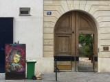 Grand Siècle du Marais : Christian Guémy artiste pochoiriste fait revivre les grands noms de l'histoire de France. Ici Paul Scarron