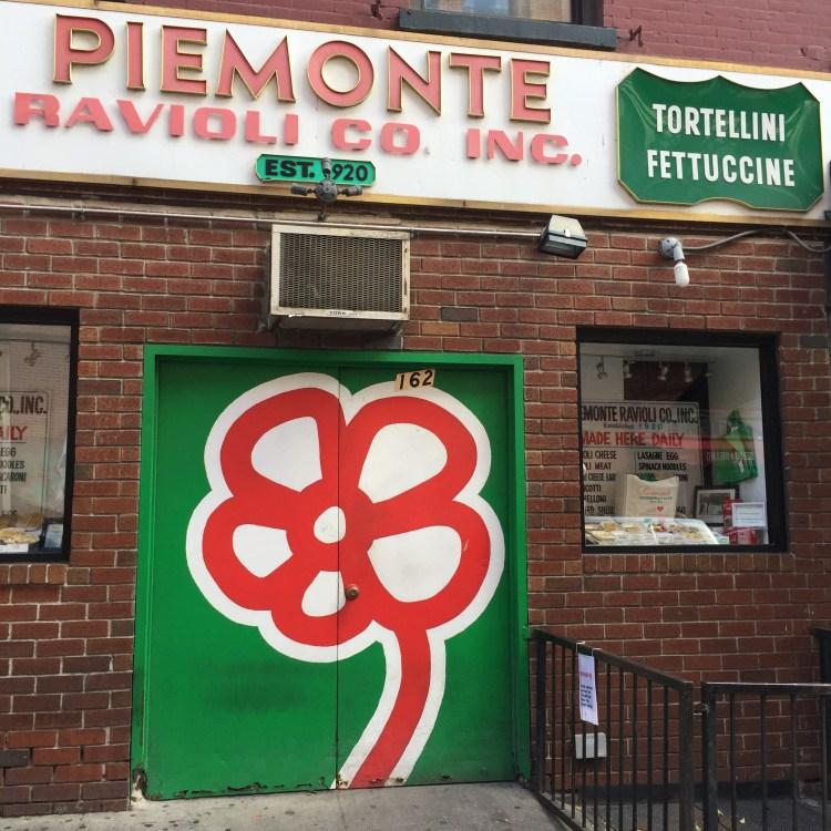 Street Art - The Flower guy - Michael De Feo - New-York Little Italy