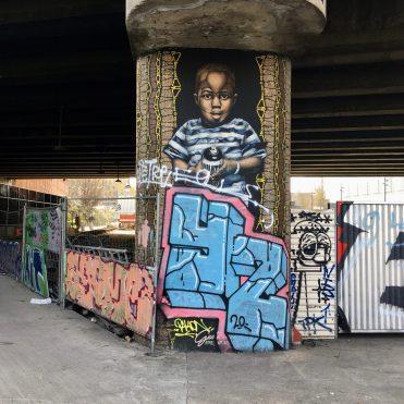 Enfant par Guaté Mao à Aubervilliers - Photo @Altinnov