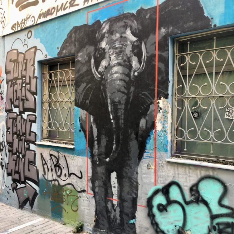 Graffitis et Street Art dans les rues d'Athènes - Blog Street Art Altinnov