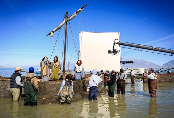 _MGL0117_Boats on Sea_Cast_Crew
