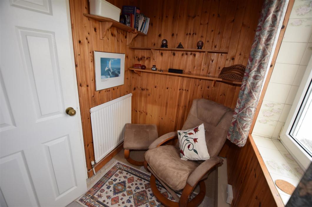 Study/cot room / Bed 4