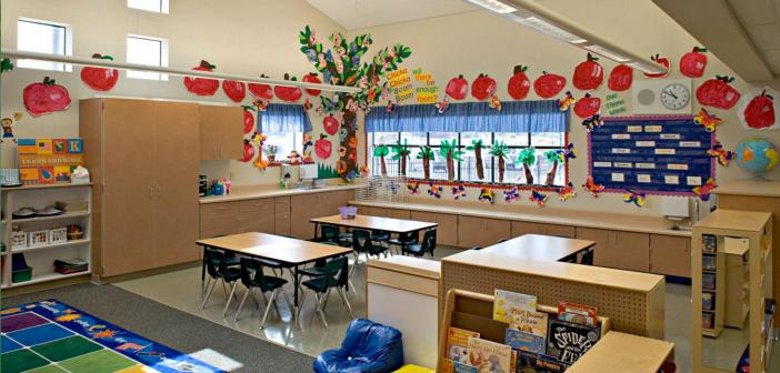 Empty elementary school classroom2