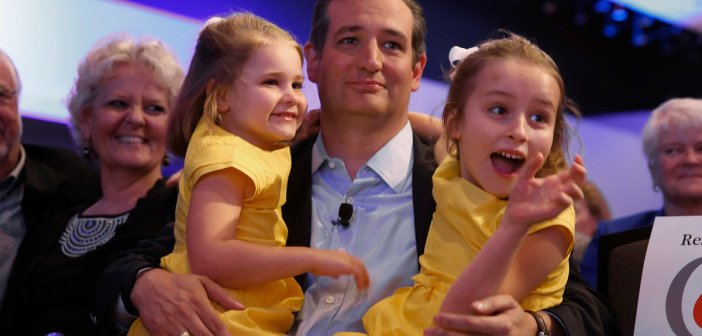 Ted Cruz with his daughters