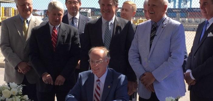 Robert Bentley signs Alabama Renewal Act