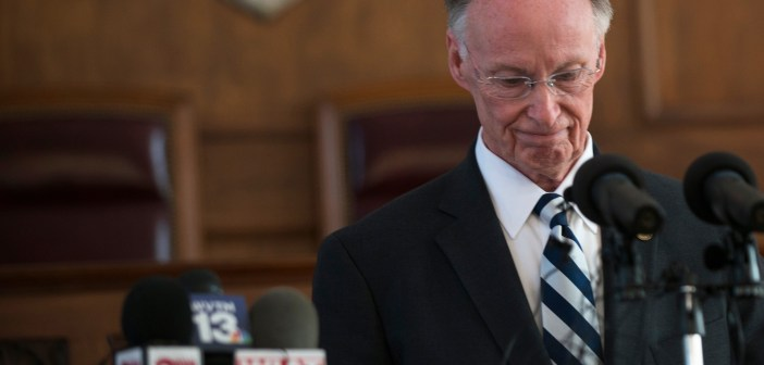 Robert Bentley resigns