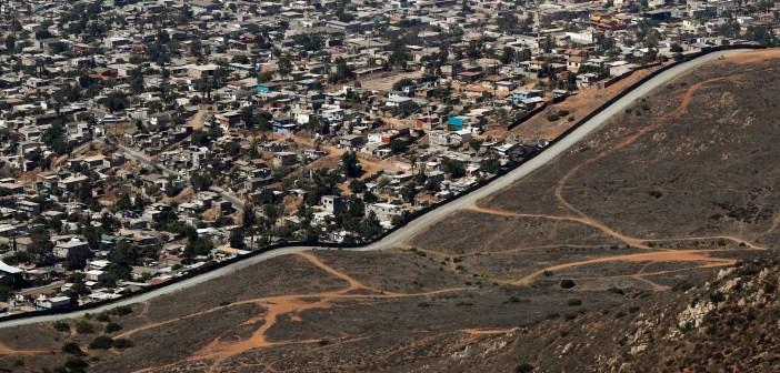 Migrant Caravan Contrasting Borders