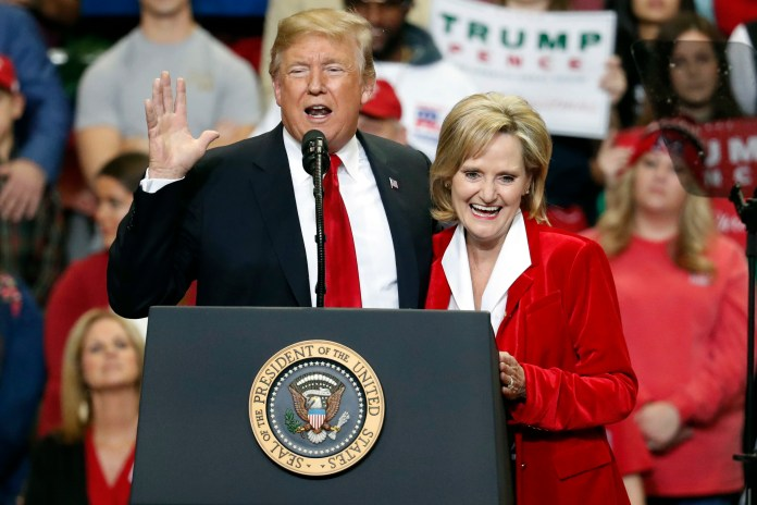 Cindy Hyde-Smith, Donald Trump