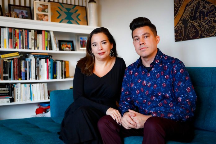 Families discuss politics at Thanksgiving