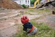 Baustellenbesucher ordnungsgemäß behelmt