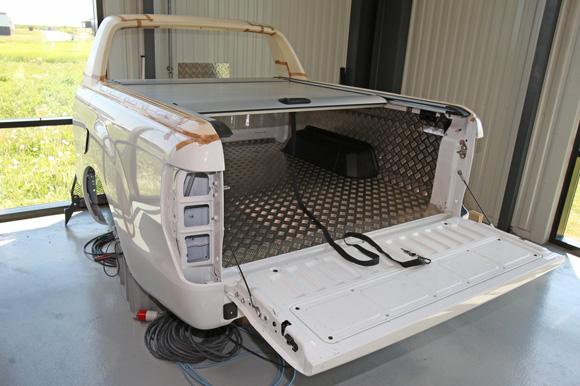Ladindsatserne fra Frederikssund bliver solgt i hele verden som originalt tilbehør til de fleste one-ton pickupper