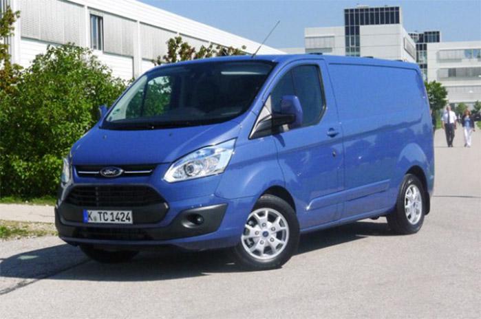 Ford har slået fartbegrænseren fra på samlebåndende med den nye Transit custom