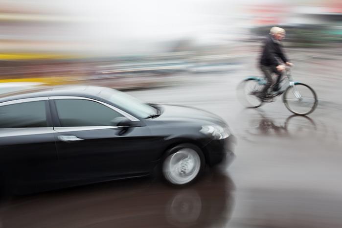 For meget sikkerhedsudstyr og blåmalede cykelstier sænker opmærksomheden og øger risikoen for ulykker