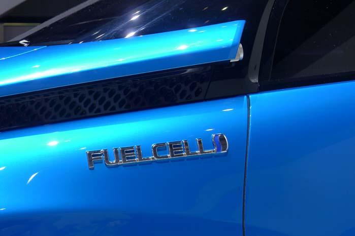 Biler med brændselsceller og komprimeret brint i tanken er et af alternativerne til biler drevet med fossilt brændstof, hvad enten det gælder biler til transport af personer eller gods.