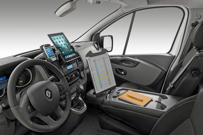 ...men man kan også vælge at koble sin egen tablet til bilen, så man kan tage det hele med sig