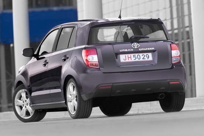 Toyota Urban Cruiser er indkaldt for at få fikset en svejsning ved ratstammen og en fjederanornding i sædereguleringen.