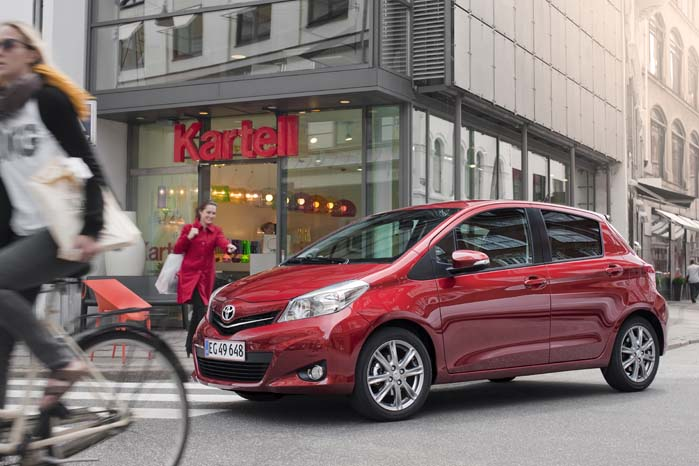 Toyota Yaris er indkaldt for at få fikset en svejsning ved ratstammen og en fjederanornding i sædereguleringen.