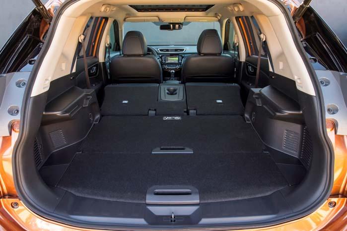 I stedet for en 5- eller 7-sædet kabine kan den nye X-Trail bygges om til varebil med et stort varerum.