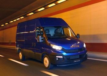 Iveco Daily blev kåret som Van of the Year med udelukkende manuelle gearkasser. Nu har den fået en ny og lynhurtig ottetrins automatisk skiftet gearkasse, der hæver komforten og sænker forbruget