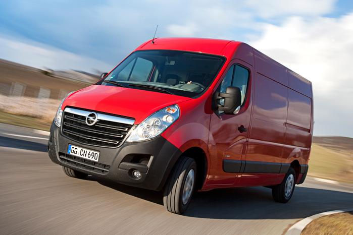 Den nye motor-variant med to turboer i Movano og Master bliver hårdt spændt for, når sælgerne skal pushe de tunge varebiler til efteråret