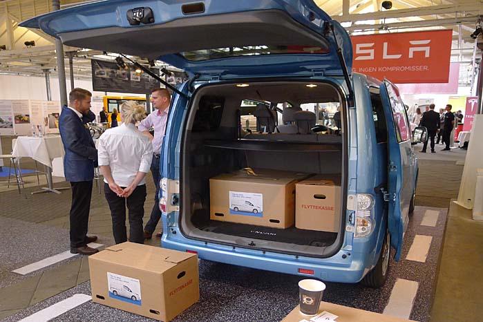 Nissan Danmark er på gaden med den el-drevne e-NV200 varebil, men kan også levere den effektive Nissan Leaf som varebil.