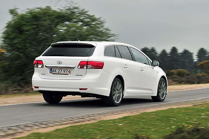 Siden 2004 er den årlige produktion af Avensis faldet fra 130.000 til 30.000 biler, så den er truet både som personbil og varebil.